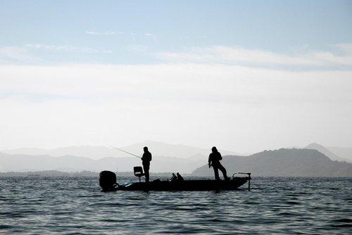 two-stroke-boat-repair